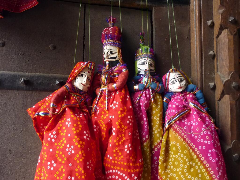 600-jaipur-hawa-mahal-4-puppets-1-small.jpg